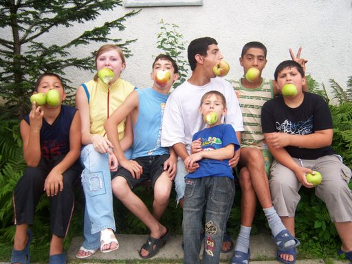 apples w kids
